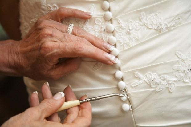 Vestido de novia 620x413 5 Claves para unas Bodas de Plata/Oro perfectas