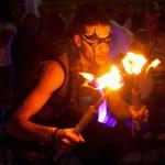 Malabarista de luces y fuego