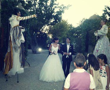 Zancudos en entrada a finca de boda