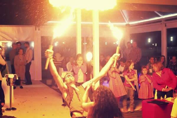 espectaculo de fuego en una boda