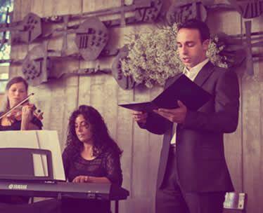 tenor cantando en una boda